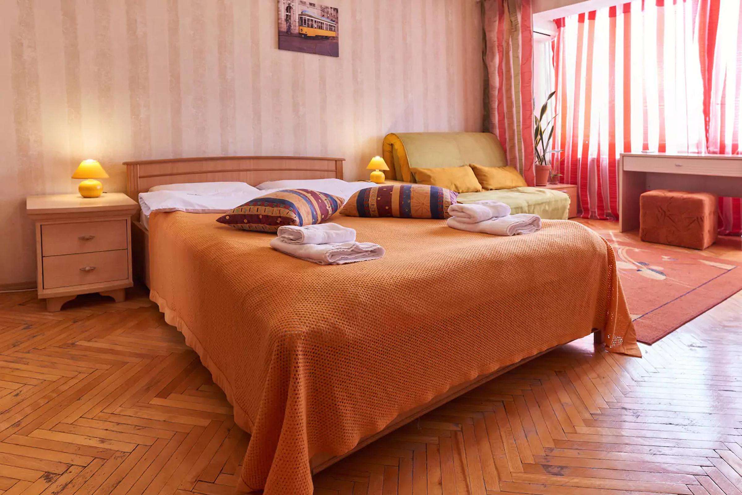 Apartment for rent in Kiev Raisy Okipnoy 7