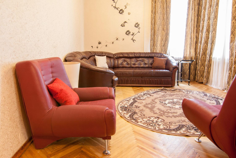 Apartment for shore time rent in Kiev Mikhailovskaya 24