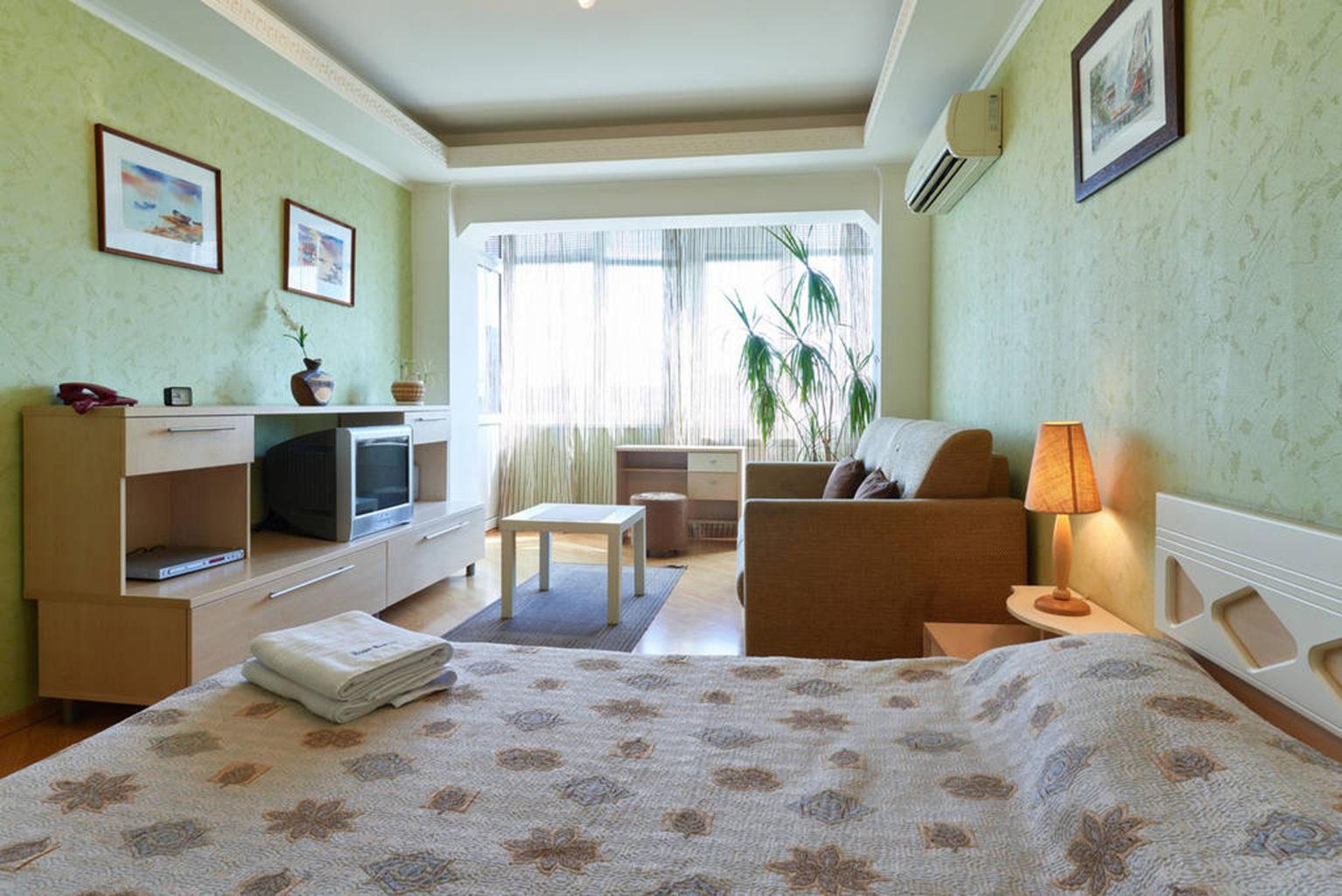 One-bedroom apartment in the center of Kiev, Sverstyuka 8