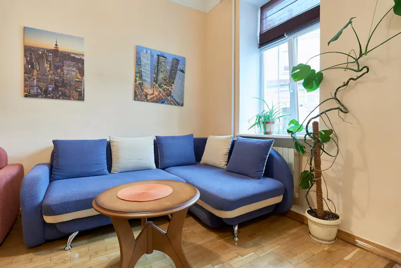 Apartment for rent in the center of Kiev, small Zhitomir 3