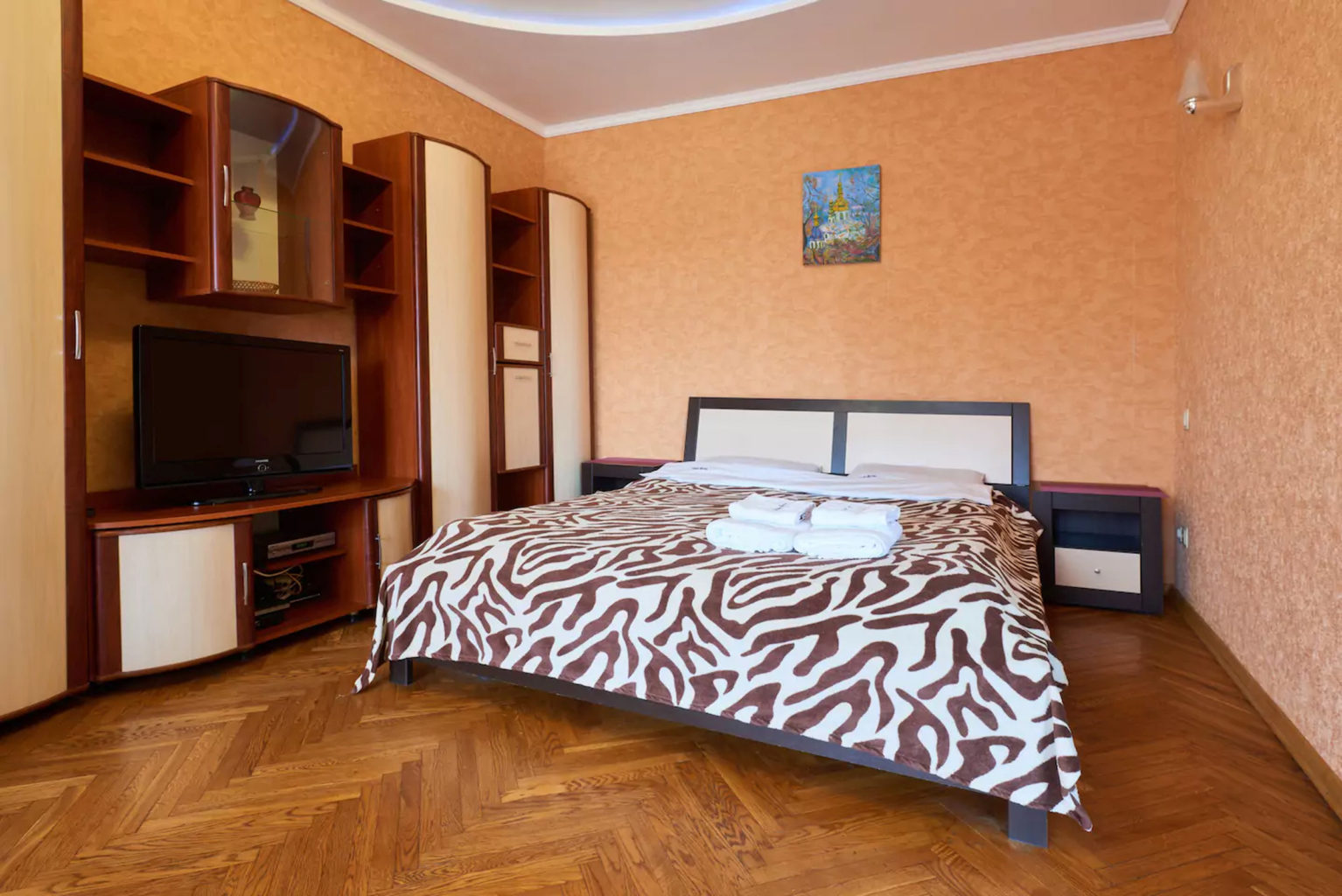 Apartment for shore Rent in Kiev, malaya gitomirskaya 10